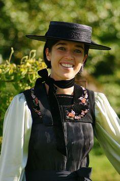 Austria, Folk Clothing, Folk Costume, Ethnic Fashion, Fashion History, Traditional Dresses, Riding Helmets, Germany, Switzerland