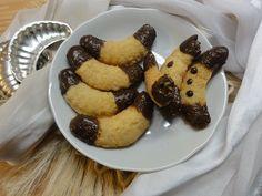 Duté kokosové rohlíčky | recept. Pomalu se blíží Vánoce a je čas si rozmýšlet kolik druhů a jaké cukroví budete péc