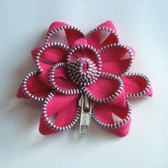 zipper flower pin