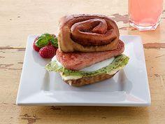 Green Eggs & SPAM® Breakfast Sandwich. #CAREPackageRecipes
