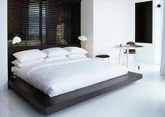 habitaciones de hotel Hotel Room Design Ideas That Blend Aesthetics With Practicality Home Bedroom, Modern Bedroom, Bedroom Decor, Master Bedroom, Bedroom Ideas, Hotel Room Design, Design Bedroom, Interior Architecture, Interior Design