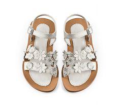 Art. A21 Sandals, Summer, Shoes, Collection, Art, Fashion, Slide Sandals, Craft Art, Moda