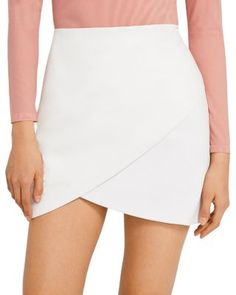 Alice and Olivia Fidela Leather & Crepe Crossover Mini Skirt (64% off) Comparable value $550 White Leather Skirt, Mini Skirt Style, Stylish Suit, Fashion Articles, Dressed To Kill, Fashion 2020, Traditional Outfits, Skirt Fashion, Crossover
