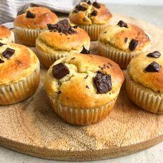 Sunde muffins med chokolade Healthy Cake, Vegan Cake, Healthy Deserts, Köstliche Desserts, Delicious Desserts, Yummy Food, Danish Dessert, Baking Buns, Paleo Treats