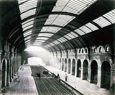 Bayswater Station, just after completion.Victorian Photos Of The London Underground Being Built Victorian London, Victorian Photos, Victorian Era, Vintage London, Edwardian Era, Underground Lines, London Underground Tube, London Metropolitan, London Transport Museum