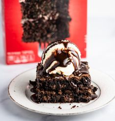 The Best Cake Mix Brownies Recipe - Build Your Bite Cake Mix Recipes, Brownie Recipes, Cupcake Recipes, Bar Recipes, Cake Mix Brownies, Best Cake Mix, How To Make Brownies, Chocolate Fudge Cake, Yummy Cakes