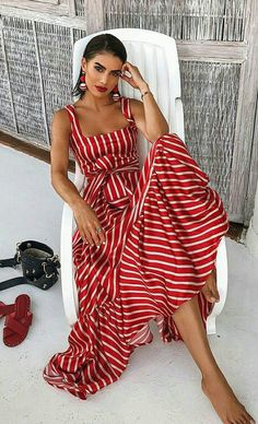 6 Urlaubsoutfits, inspiriert von unserem Lieblingsresort 2019 Looks Source by thefashionspot . Trendy Dresses, Nice Dresses, Casual Dresses, Red Dress Outfit Casual, Awesome Dresses, Long Dresses, Ladies Dresses, Red Lace Dresses, Striped Dress Outfit