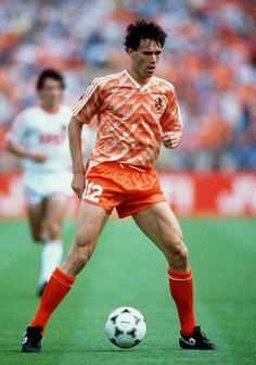 Marco Van Basten, Football Kits, Football Soccer, Football Players, Lindsey Vonn, Neymar, All Star, Ruud Gullit, Uefa European Championship