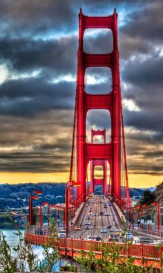 Golden Gate Bridge, San Francisco - What do 25 minutes and miles have in common? You will reach both statistics once you have taken the time to walk across San Francisco's iconic Golden Gate Bridge. Places Around The World, Oh The Places You'll Go, Travel Around The World, Places To Travel, Places To Visit, Around The Worlds, Camping Places, San Francisco, Golden Gate Bridge