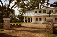 RJ Elder Design - traditional - garage and shed - with porte cochere Brick Driveway, Driveway Design, Driveway Entrance, Brick Fence, Fence Design, Driveway Ideas, Fence Stain, Concrete Fence, Front Fence