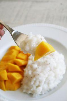 Coconut Mango Sticky Rice on sweettreatsmore.com #recipe #coconut #rice