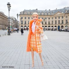 Strolling through Place Vendôme, très chic!
