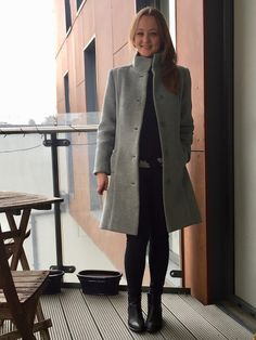 The idea of making this coat began around this time last year but the prospect of actually doing it was so daunting that I didn't start making it until winter really kicked in here in London in Novemb