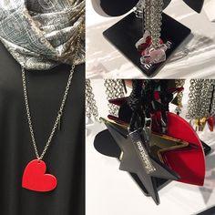 Arvatkaapa minkä näistä koruista valitsin? Guess whats my jewel?  Blogissa kerron. #joululahjaideoita #korut @marudesignfinland #muoti #fashion #jewels #marudesign #marudesignfinland #accessories #kivijalkakauppa #verkkokauppa #uusiblogipostaus #linkinbio #bloggaaja #nelkytplusblogit #åblogit #tuulaslife