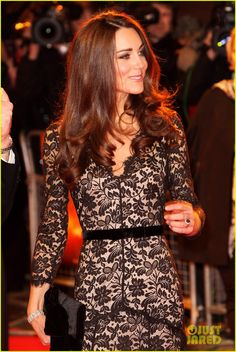 Catherine, Duchess of Cambridge at the War Horse premiere. I want that dress!!! ***Dress by Alice Temperley***