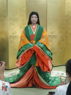 Juni-hitoe(Twelve-layered ceremonial kimono) is a ceremonial robe that was  the proper attire for court ladies and daughters of the warrior-class  families in the Heian Period and after.