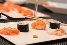 Sushiverksted – nigiri, maki og sashimi Sashimi, Food Inspiration, Tapas, Ethnic Recipes, Stapler