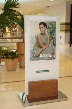 #Wayfinding - #Totem sign - #ParkShoppingBarigüi - Curitiba (PR) - Brazil #brazilian design #design #shopping #malls