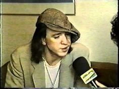 Stevie Ray Vaughan - Interview 07/22/87 - YouTube