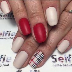 Двухцветный дизайн ногтей, Идеи красного маникюра, Идеи маникюра 2017, Идеи матового маникюра, Красно-бежевый маникюр, Красный матовый дизайн ногтей, Маникюр на средние ногти, Маникюр шеллак 2017