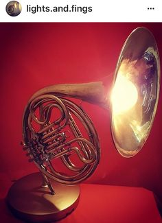 Upcycled Musical Instrument | French Horn Table Lamp #UpcycledLighting #UpcycledMusicalInstrument