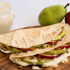 Pear Pistachio Quesadillas with Sweet Crema - Caciquedilla Club Pistachio Recipes, Pear Recipes, Gourmet Recipes, Mexican Food Recipes, Snack Recipes, Healthy Recipes, Snacks, Healthy Food, Quesadilla Recipes