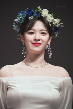Find images and videos about twice and jeongyeon on We Heart It - the app to get lost in what you love. Suwon, Nayeon, Kpop Girl Groups, Korean Girl Groups, Kpop Girls, Twice Jungyeon, Twice Kpop, Asian Woman, Asian Girl
