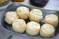 These easy and simple Gluten Free Biscuits are a adapted from my mom's biscuit recipe. These buttery, flaky, fluffy gluten free biscuits are everything you want in a biscuit! Gluten free biscuit recipe from Gluten Free Cooking, Dairy Free Recipes, Cooking Recipes, Gf Recipes, Cadbury Recipes, Bisquick Recipes, Fodmap Recipes, Bread Recipes, Celiac Recipes