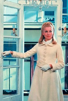 Catherine Deneuve starring in The Umbrellas of Cherbourg as restored by LVMH 1960s Fashion, Fashion Sewing, Fashion News, Vintage Fashion, Fashion Movies, Film Fashion, Catherine Deneuve, Xavier Dolan, Steve Mcqueen