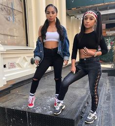 Shopping Sites For Teenage Clothing Twin Outfits, Teenager Outfits, College Outfits, Outfits For Teens, Cool Outfits, Casual Outfits, Fashion Outfits, Fashion Ideas, Checkered Vans Outfit