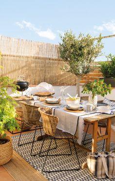 Aménager sa terrasse avec style en matériaux naturels - PLANETE DECO a homes world Rustic Backyard, Backyard Patio, Backyard Landscaping, Backyard Ideas, Outdoor Living Rooms, Outdoor Dining, Outdoor Decor, Dining Table, Terrace Design
