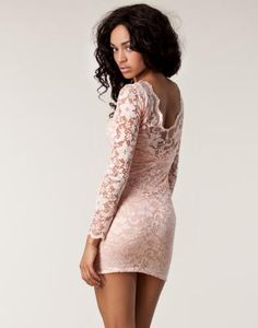 Lace Low Back Dress - Lili London - Nude - Festklänningar - Kläder - NELLY.COM Mode online på nätet