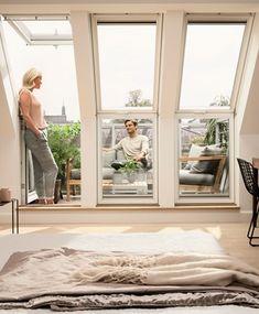 Raum an der Luft VELUX roof balcony (roof loggia) Attic Living Rooms, Attic Bedrooms, Attic Spaces, Master Bedrooms, Attic Bedroom Designs, Attic Design, Loft Design, Design Model, Attic Loft