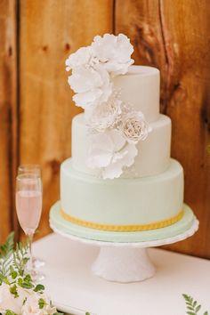Chic Michigan Wedding Inspiration at Cornman Farms - MODwedding