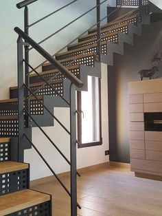 Steel Stairs Design, Staircase Design Modern, Modern Stair Railing, Concrete Staircase, Home Stairs Design, Loft Interior Design, Modern Stairs, House Design, Industrial Home Design