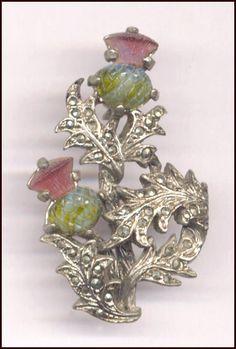 Brooch featuring the floral emblem of Scotland! Tartan, Plaid, Harris Tweed, Scotland History, Scottish Thistle, Celtic Art, Jewelery, Vintage Jewelry, Bracelets