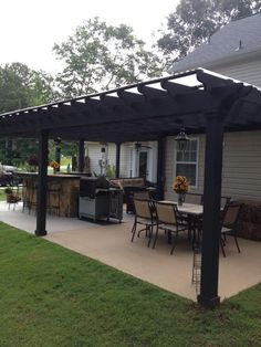 Backyard porch ideas on a budget patio makeover outdoor spaces best of i like this open layout like the pergola over the table grill Hinterhof Veranda Backyard Patio Designs, Pergola Designs, Pergola Patio, Backyard Landscaping, Backyard Porch Ideas, Cozy Backyard, Diy Patio, Pavers Patio, Backyard Gazebo