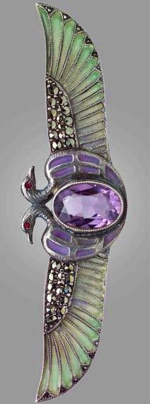 Egyptian Revival Brooch: amethyst, marcasite, silver, plique-à-jour enamel… Gems Jewelry, Jewelry Art, Antique Jewelry, Vintage Jewelry, Fine Jewelry, Jewellery, Bijoux Art Nouveau, Art Nouveau Jewelry, Egyptian Jewelry