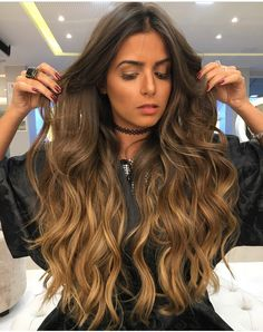 Balayage for brunettes Long Curly Hair, Wavy Hair, Dyed Hair, Blonde Hair, Curly Hair Styles, Curly Wigs, Long Hair Styles 2018, Long Ombre Hair, Cabelo Ombre Hair