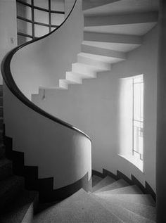 Villa Martel designed by architect Robert Mallet-Stevens in Paris in the 1920's. #GISSLER #interiordesign