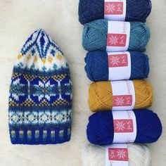 Jamieson & Smith (@thewoolbrokers) • Instagram photos and videos Knitted Hats, Gloves, Winter Hats, Photo And Video, Knitting, Videos, Photos, Instagram, Pictures