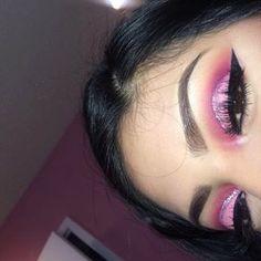 #_makeupbybee_