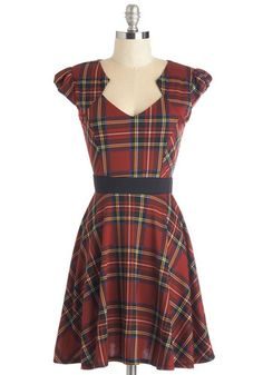 Plaid and Subtract Dress in Tartan. You need a comfortable and collected look for student teaching - and this multicolored plaid dress is the correct answer! #red #modcloth