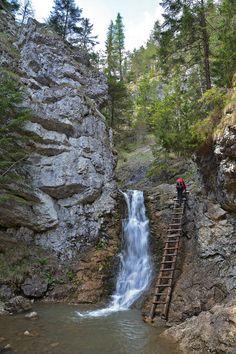 Ráztocký vodopád je krásny v zime, ale aj v lete. Landscape Photography, Travel Photography, Easy Jet, Beautiful Waterfalls, Czech Republic, Solo Travel, Amazing Nature, Cool Pictures, Places To Go