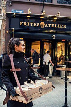 Sergio's Frites Atelier in de korte Gasthuisstraat. Een Nederlander die een frituur opent in hartje Antwerpen