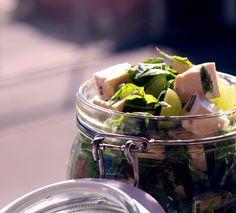 Tofusalat mit Weintrauben (vegan)
