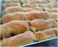 Χορτόπιτα με σπιτικό-χωριάτικο φύλλο! Hot Dog Buns, Hot Dogs, Spanakopita, Greek Recipes, Bread, Ethnic Recipes, Kitchen, Food, Cooking