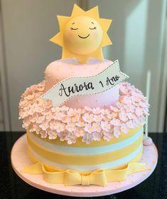 Sunshine Birthday Cakes, Baby First Birthday Cake, Sunshine Cake, First Birthday Party Themes, Birthday Cake Girls, Birthday Ideas, Cake Designs For Girl, 1st Birthday Girl Decorations, Birthday Cake With Flowers