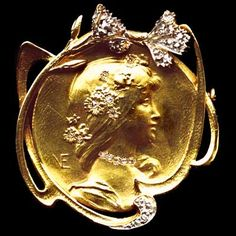 This is not contemporary - image from a gallery of vintage and/or antique objects. EMILE-SERAPHIN VERNIER 1852-1927  Art Nouveau brooch/pendant.  Gold Diamond