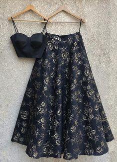 ideas dress indian style crop tops - MY World Indian Fashion Dresses, Indian Gowns Dresses, Dress Indian Style, Indian Designer Outfits, Indian Outfits, Indian Lehenga, Black Lehenga, Yellow Lehenga, Navy Blue Saree